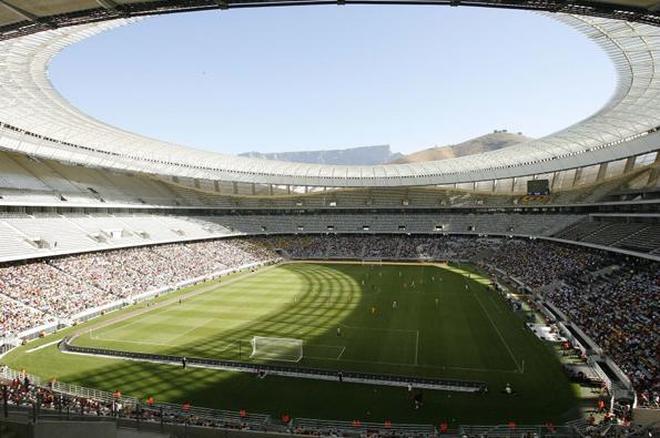 一座因應2010年世界盃足球賽而重建的足球場!