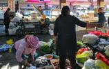 傳說松茸價格成百上千,而在雲南景區朵朵新鮮1斤只要15