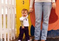 """""""媽矮矮一窩""""媽媽只有151釐米怎麼辦?懂得這些,孩子長到173"""