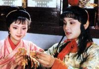 紅樓夢:薛寶釵有沒有愛過賈寶玉?一個小動作揭示本質