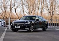 20多萬買輛5米長的豐田!最便宜的合資中大型車!