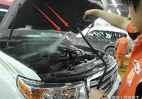 別被洗車店給騙了,發動機可以直接用水衝,不在這2個情況下就行