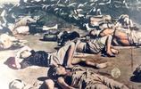 日本戰後老照片:失去家園的難民露宿車站、天皇巡視享受民眾跪拜