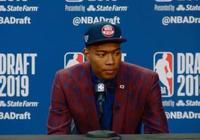 媒體見面會奇才總裁詢問八村塁:你能投三分嗎?記者們都鬨笑了