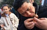 山西一農村娃十年前去河南廟會拜師學藝 現在每天輕鬆賺錢養了家