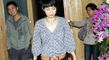 41歲的靳東近照,老婆被寵成小公主,兒子顏值逆天
