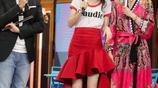 腿長輸了!王鷗楊冪穿同一款紅裙誰更美?