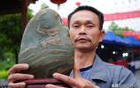 撿個石頭10萬不賣,奇石收藏者這樣叫價,是自信還是不想賣?