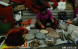 青島大媽家裡有漁船 丈夫出海打漁 大媽每天跑50公里趕早市賣海鮮