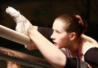 在俄羅斯,想跳好一支芭蕾,你得先磨壞500雙中國製造的鞋