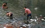 印度恆河垃圾成堆
