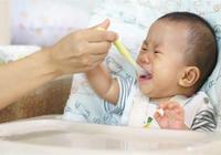 寶寶到了斷奶的時候,媽媽下廚做輔食,卻親手送孩子上了路!