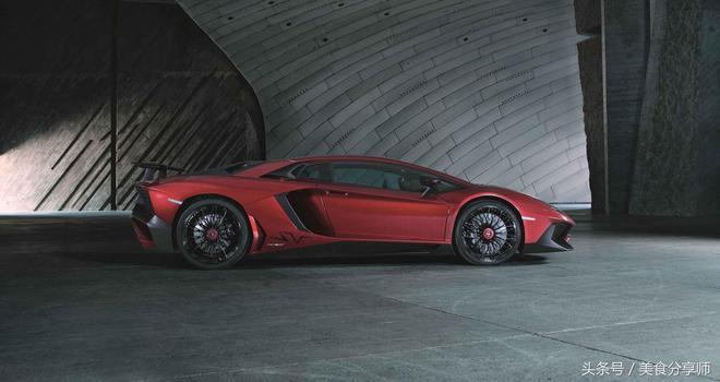 汽車圖集:Aventador