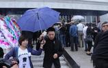 著名導演徐慶東去世,妻子王茜全場痛哭流淚,張國立馮小剛悼念!