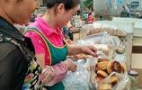 農村大姐大集上賣的傳統美食,10元8個,一年就火這幾天