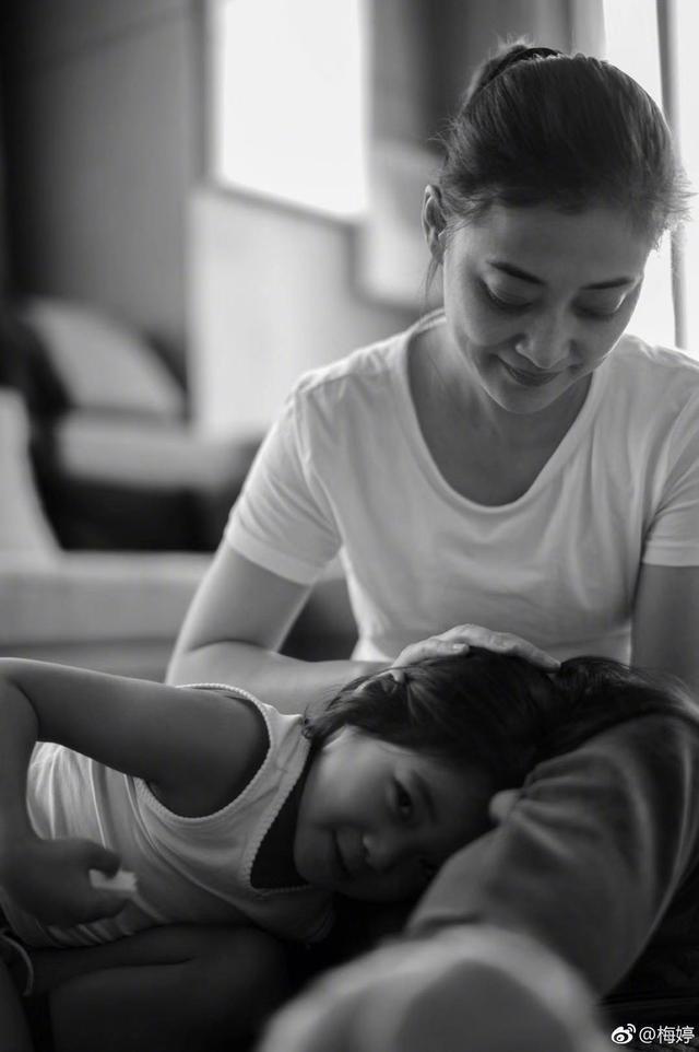 梅婷罕見晒一雙兒女,6歲的快快太美了簡直是迷你版梅婷!