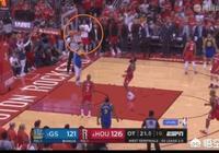 當庫里扣空籃不進後,杜蘭特轉頭直接離場,如何看待這一舉動?