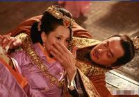 曹丕偷娶庶母被世人唾罵,一個庶母嫁給了兒子,為何卻名垂青史?