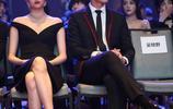 關曉彤罕見秀女人味,比吳磊王嘉白了太多,三人同框滿屏都是腿