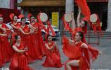 瀋陽劉老根大舞臺19位迎賓舞女 高顏值貌美如花大秀傲人舞姿