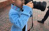 安吉變身攝影師 萌態可掬 胡可:成為你鏡頭中最生動的記憶!