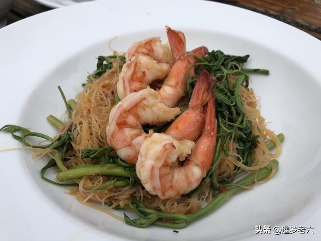 在曼谷網紅餐館吃頓飯,一桌花了500多元!就這些菜,值不?