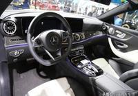 奔馳E300擁有豐富的內飾,作為公認的豪車備受消費者們的喜歡