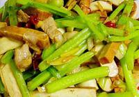 一道傳統的經典小炒——香芹炒薰幹