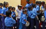 印度孩子的免費午餐,吃不飽不說還隨時可能喪命
