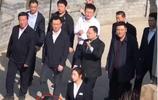 王健林王思聰父子雙雙上熱搜!一雙鞋引發熱議,網友:首富會玩!