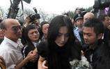 因為他的死,趙薇和范冰冰傷心欲絕,一個哭成淚人,一個情緒失控