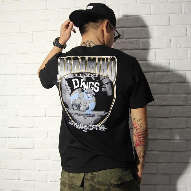 男神最愛,黑色T恤這樣穿才夠帥