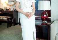 殷桃身材真好!穿白裙顯優雅氣質,鏡頭前膚白貌美少女感十足