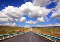 新疆最美公路之託裡至阿拉山口段公路