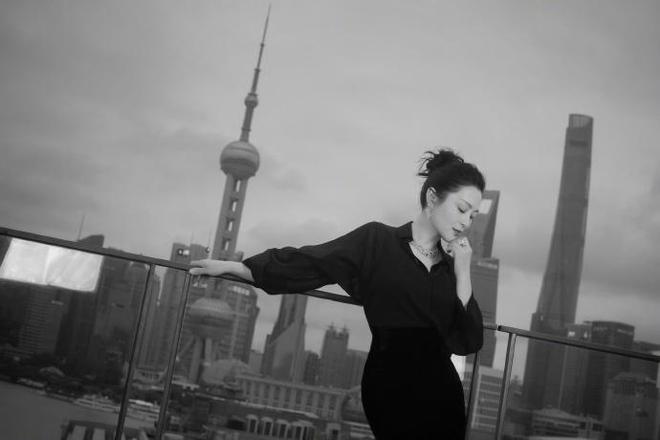 陳紅出席上海電影節博納之夜活動時拍攝寫真