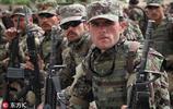 阿富汗突擊隊員參加畢業典禮 滿滿軍人氣概