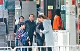 王祖藍與愛妻李亞男及家人幸福素顏照曝光 妻子與婆婆相處很融洽