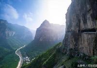 山西陵川錫崖溝的掛壁公路,世界公路史的奇蹟!