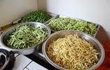 河南農村大媽做這鍋燜面,和啤酒蒜瓣是絕配,最適合割麥天吃