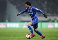 韋世豪羞愧嗎?中國足球35歲老將生涯首染紅 賽後立刻向對手道歉