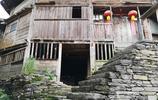 貴州深山有個石頭村莊,距今600多年曆史,依山傍水風景秀麗