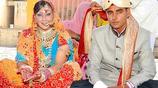 美國41歲夜店女子遠嫁25歲印度小夥,成為農村媳婦出行靠牛車