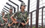 中印邊境維穩的印度女兵,體型健碩,喊聲震天,既當軍官又當警察
