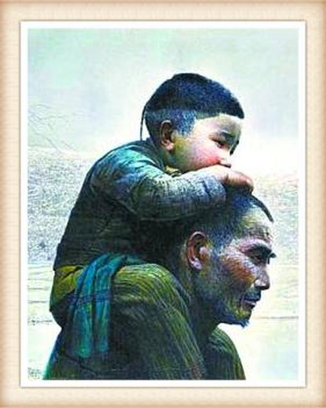 """父親節:關注父親老去的""""背影"""",哪張""""背影""""戳中了你的淚點?"""