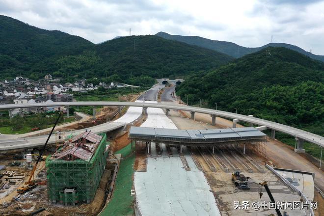 浙江舟山:富翅門大橋將迎八方來客 今年九月底通車