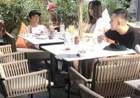 網友偶遇王思聰帶美女遊玩,夜店蹦迪為全場買單壕氣十足