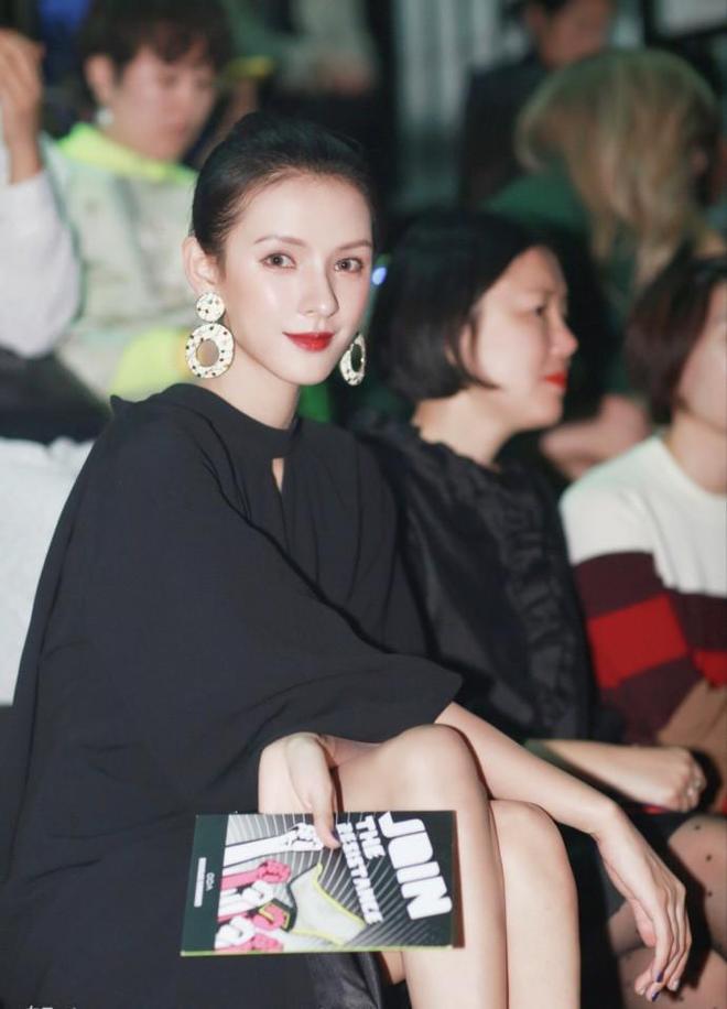 王思聰前女友「張予曦」晒美照,這網紅整容臉配得上國民老公嗎?