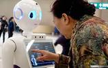 身材曼妙!導診機器人現身北京301醫院