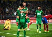 中國足球歷史性一刻:歸化球員1V3強勢破門,國足戰世預賽新希望
