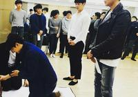 「2PM」「新聞」170418 燦盛話劇《我的愛我的新娘》首次練習公開 黃演員開啟進階模式